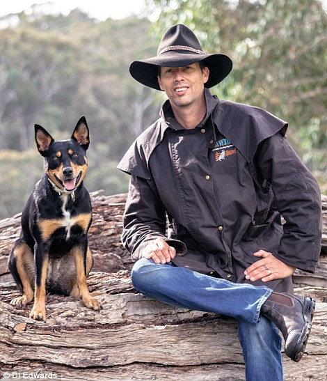 2D6C199200000578-3273185-Di_and_Carey_pictured_have_been_running_Australian_Working_Dog_R-a-30_1445267031684