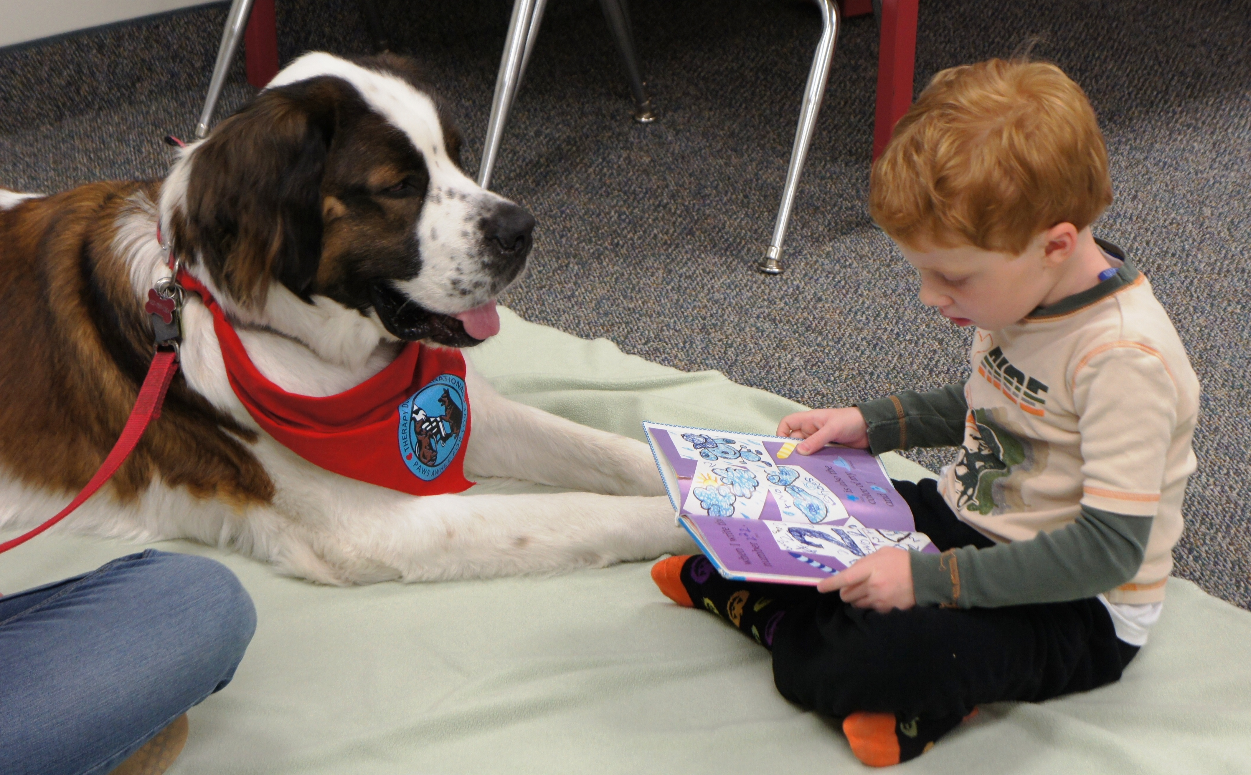 Kids Reading to Dogs in Libraries » Public Libraries Online
